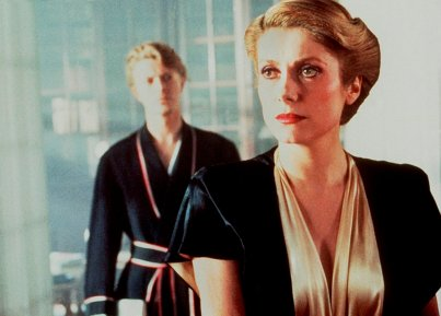 the-hunger-david-bowie-and-catherine-deneuve12